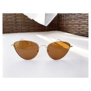 MULBERRY AND GRAND Cat Eye Tinted Sunglasses